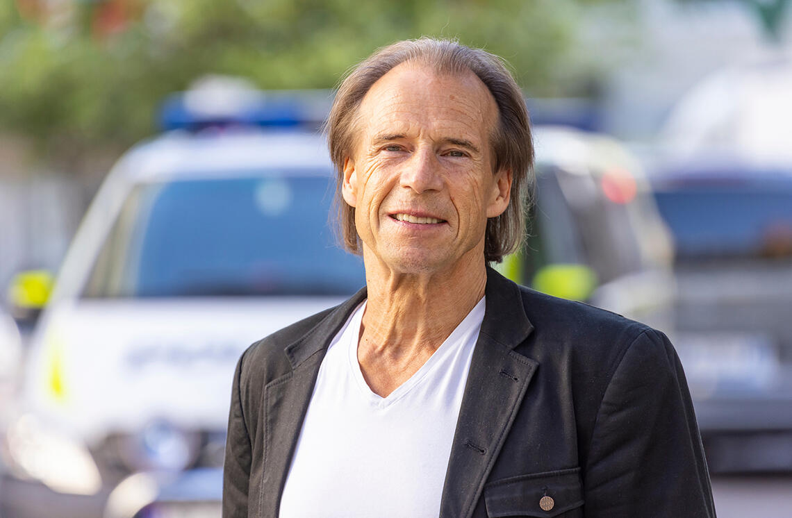 Jan Bøhler trener 2-3 timer daglig og opplever at treninga gir han styrke til å møte dagens stress og vanskeligheter. (Foto: Tor Lindseth)