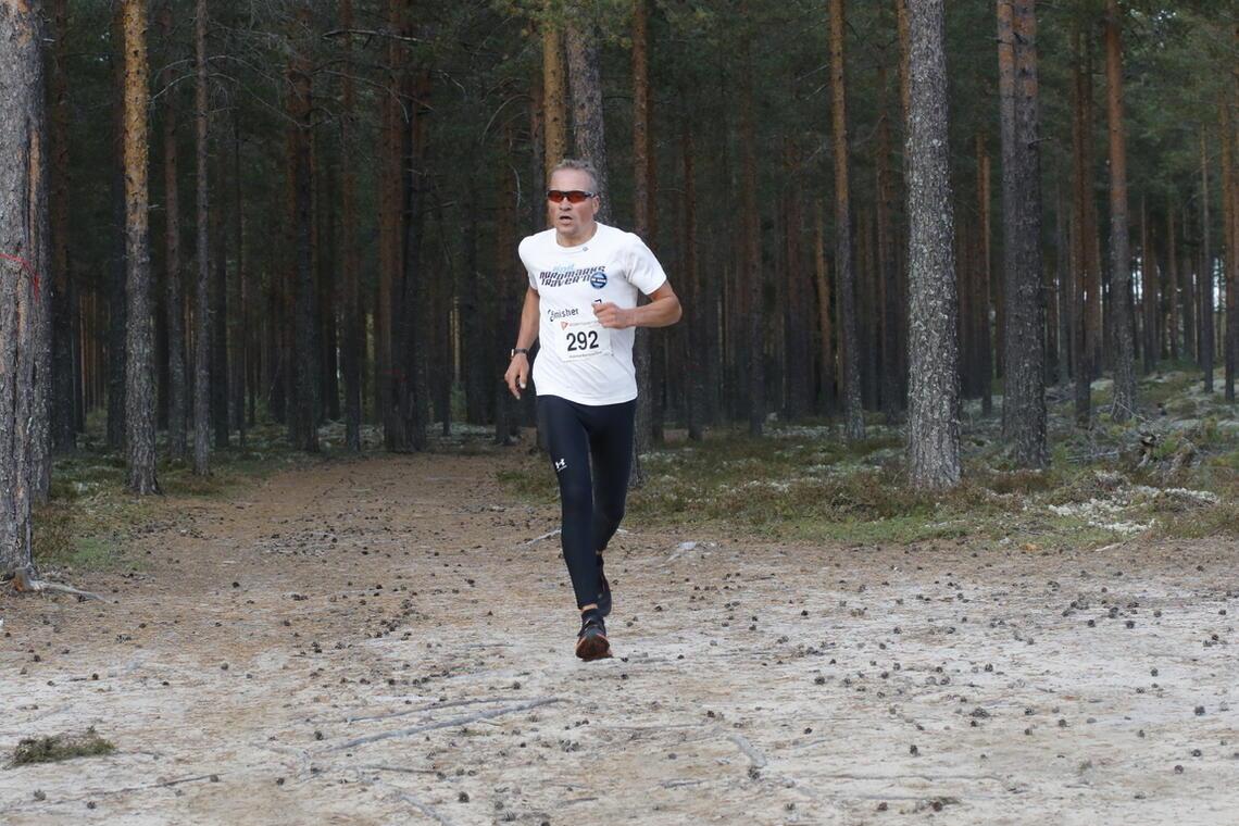 Patrick Åserud på fine stier i det nest siste løpet i årets Hamarkarusell i Elverum for to uker siden. (Foto: Rolf Bakken)