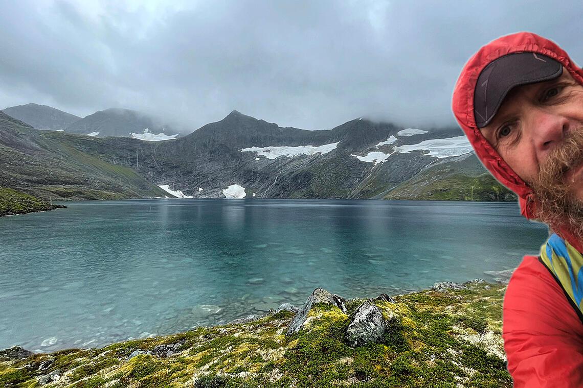 Gunnar Aarseth forteller om hvordan han opplevde å gjennomføre «Moon Valley 17 lakes», eller sagt mer folkelig «fjellløping til 17 vann oppe i Måndalsfjella».  (Alle foto er tatt av de fire omtalte deltagerne + arrangøren)