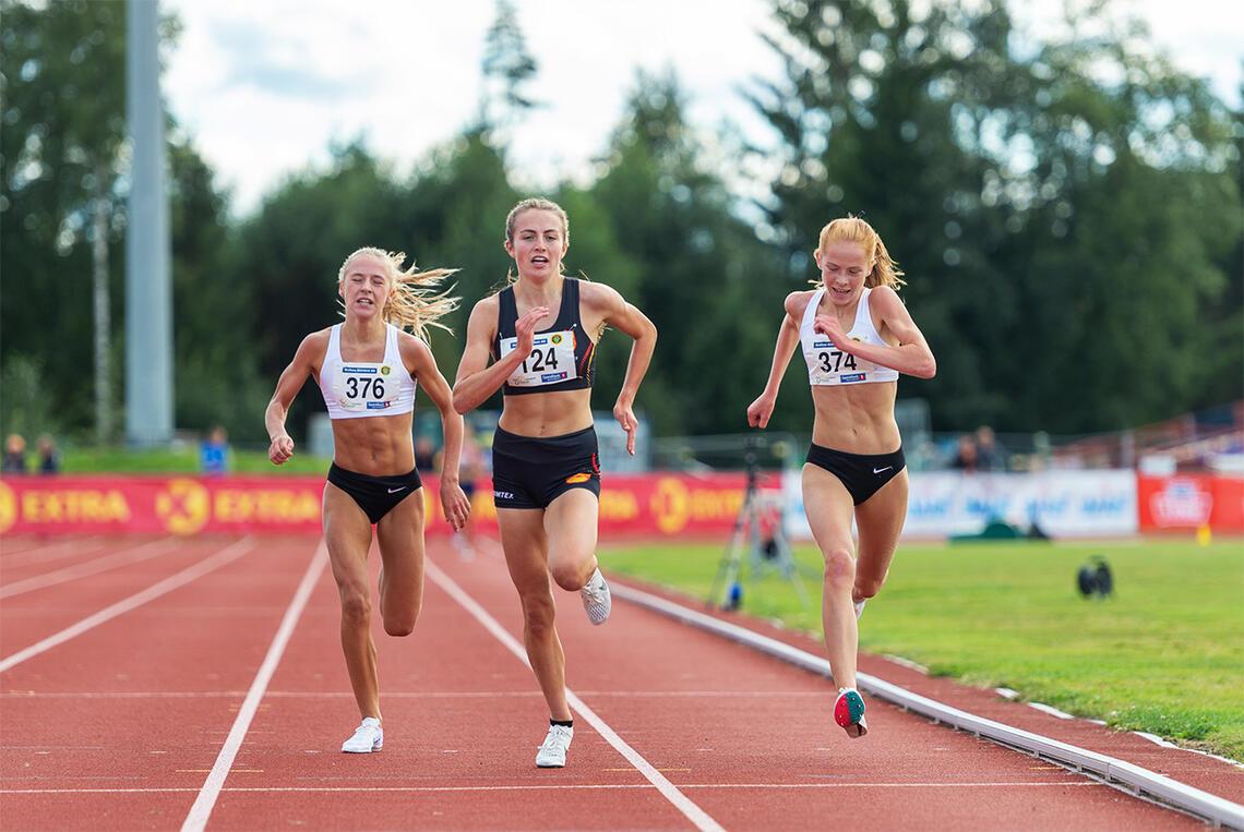 Maren Halle Haugen (376), Ingeborg Østgård (124) og Ina Halle Haugen er alle tatt ut på juniorlandslaget for 2022. (Foto: Samuel Hafsahl)