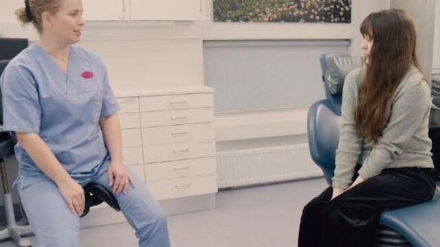 Å sitte i tannlegestolen