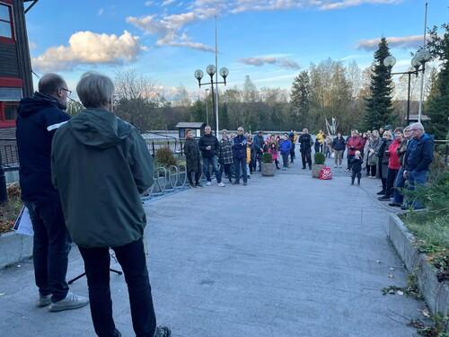 Klare for Fjerdingbyvandring - over 40 innbyggere deltok