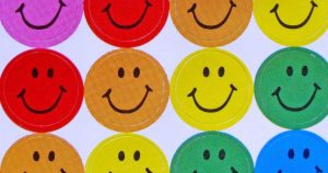 777458_everybodys_happy_3