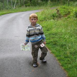 Liten gutt på veien